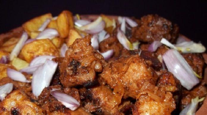 Как варить соус с мясом и картошкой пошагово