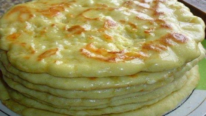 Так роблять в Тбілісі: хачапурі на сковороді