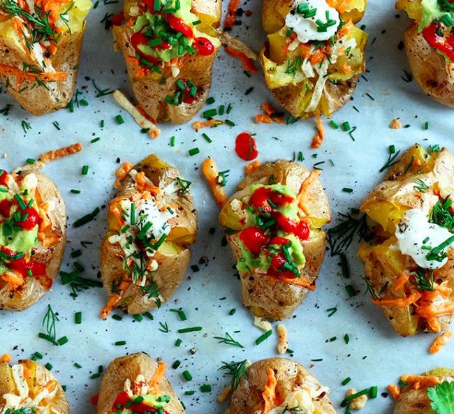 12 способов запечь картошку так, чтобы все обалдели