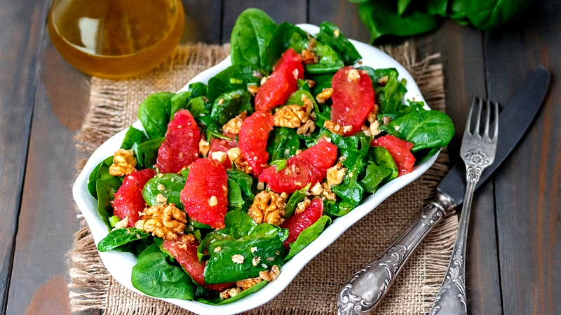 Изумительные постные салаты: сытный ужин на скорую руку