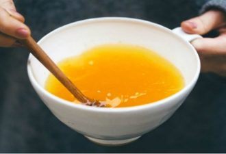 Hot-Water-Lemon-and-Turmeric-Featured2