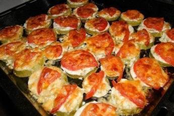 Кабачки-с-помидорами-и-сыром