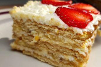 vkusnyj-tort-bez-vypechki-s-klubnikoj-bananami3
