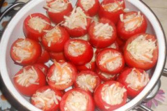 Pomidory-s-kapustoj-na-zimu-500x278