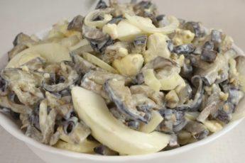 salat-iz-baklazhanov-vkusom-gribov