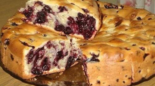 Пирог-с-чёрной-смородиной