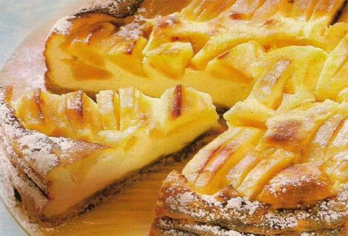 Яблочный-пирог-на-молоке