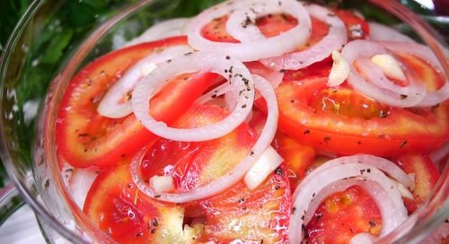 zakuska-iz-pomidorov-luka2