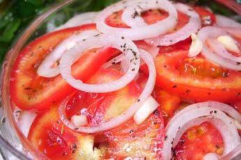 zakuska-iz-pomidorov-luka2-500x272