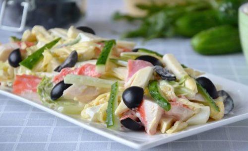 Крабовый-салат-с-плавленым-сыром