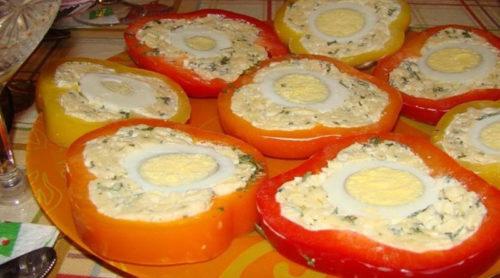 Перец-с-сырной-начинкой-и-яйцом