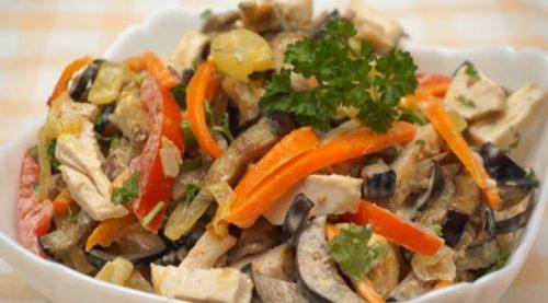 salat-iz-baklazhanov-s-kuricej-