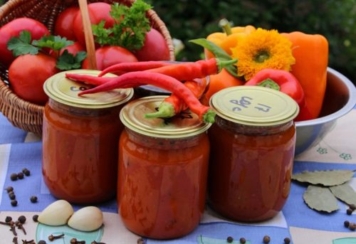 sladkij-tomatnyj-sous-na-zimu