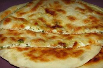 Быстрые-хачапури-на-сковороде