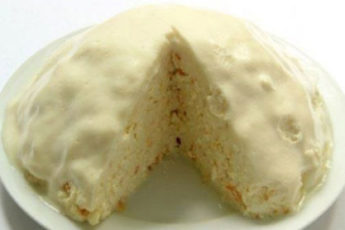 Molochnyj-tortik-bez-vypechki-500x278