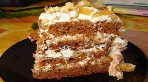 Очень-простой-и-вкусный-торт-на-кефире-с-вареньем