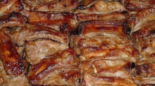 Румяные-запеченные-свиные-ребрышки-маринованные-в-соусе