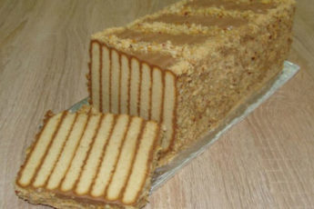 Tort-bez-vypechki-Polosatyj-500x278