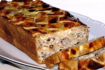 Блинный-торт-с-куриной-грудкой-и-шампиньонами