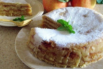 Болгарский-яблочный-пирог