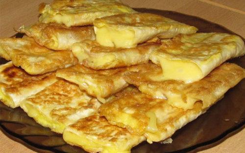 Лаваш-с-сыром-в-яйце