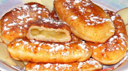 Пирожки-из-творожного-теста-с-яблоками-на-сковородке-