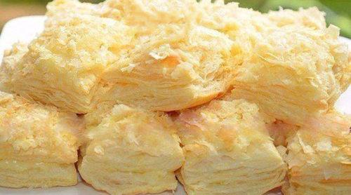 Пирожные-из-слоёного-теста-с-заварным-кремом