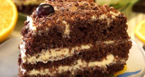 Шоколадный-торт-со-сметанным-кремом