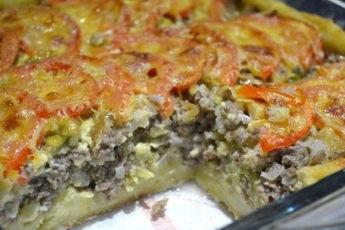мясной-пирог-из-картофельного-теста