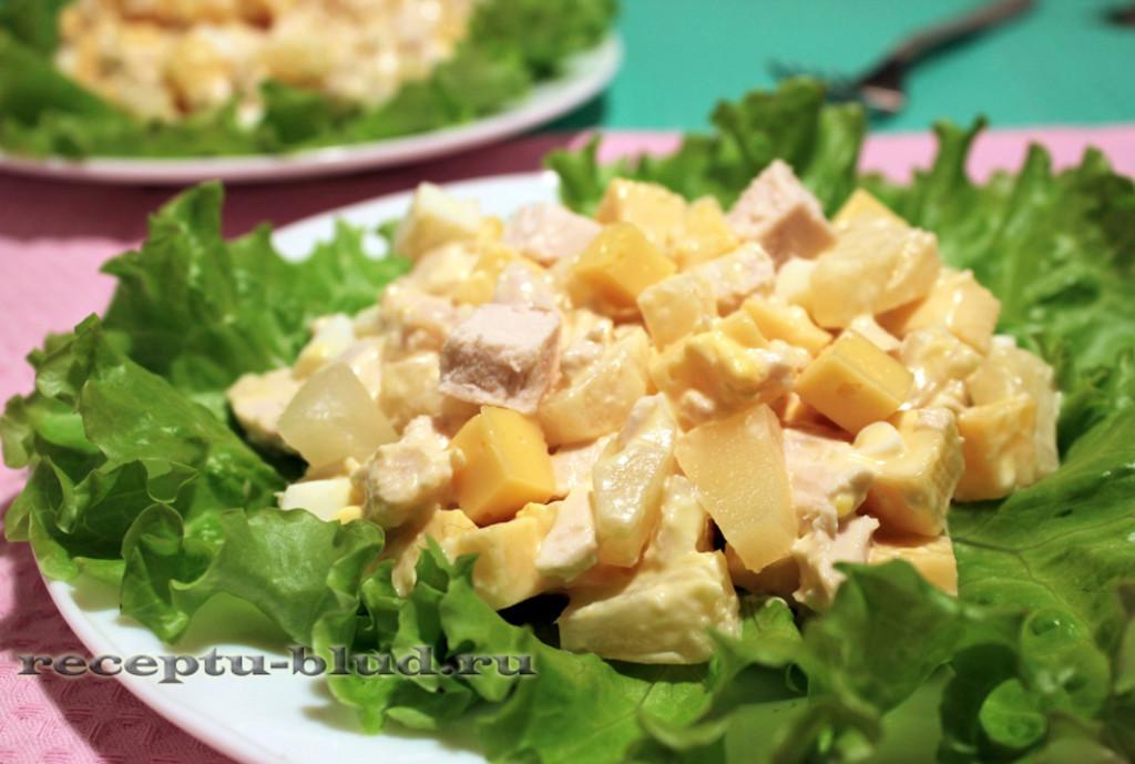Картинки по запросу Хрустящий салат с ананасами и курицей