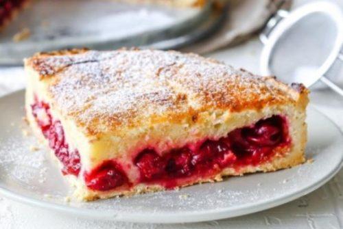 Пирог-Вишенка-на-кефире