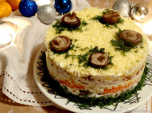Рецепт салата слоёного с копчёной курицей