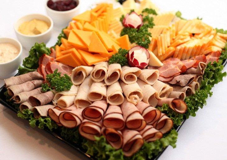 Картинки по запросу нарезка из колбасы и сыра