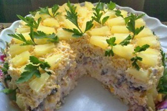 Салатный-торт-«Чародейка»