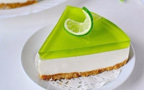 Желейный-торт-без-выпечки-с-лаймовым-вкусом