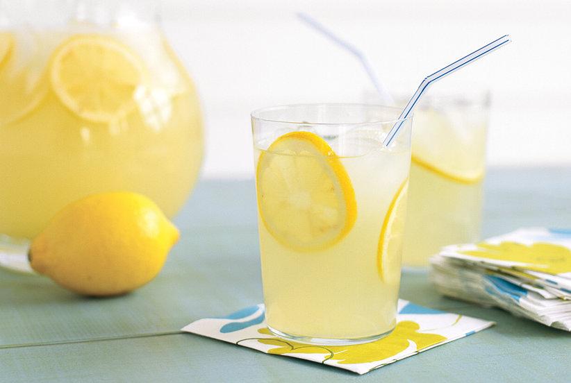 Быстрый домашний лимонад к праздничному столу