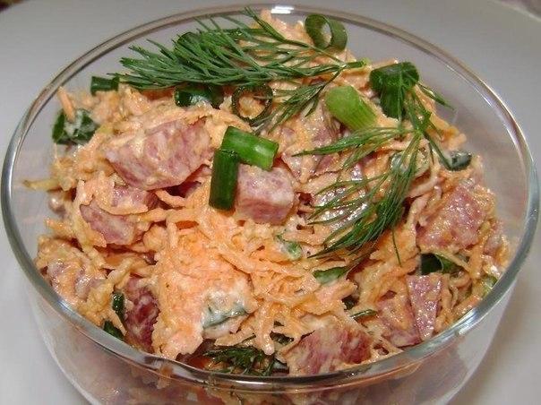 Топ-10 сытных салатов, которые можно приготовить всего за 10 минут!