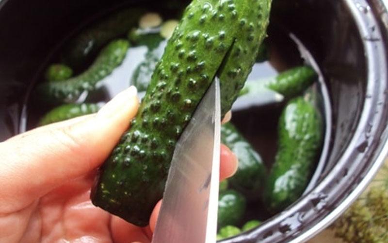 малосольные огурцы рецепт быстрого приготовления в кастрюле этап 5