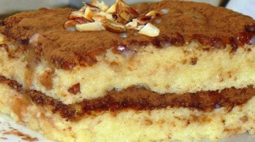 Бисквитный-торт-пропитанный-сгущенкой