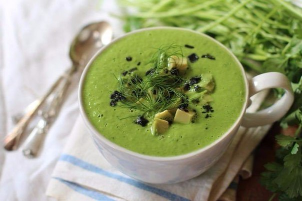 Топ-10 вкуснейших рецептов холодных супов для жаркой погоды
