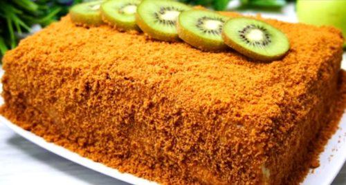 medovyj-tort-bez-raskatki-korzhej