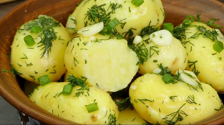 ТОП-5: молодая картошка в 5 рецептах – вкуснейшие блюда