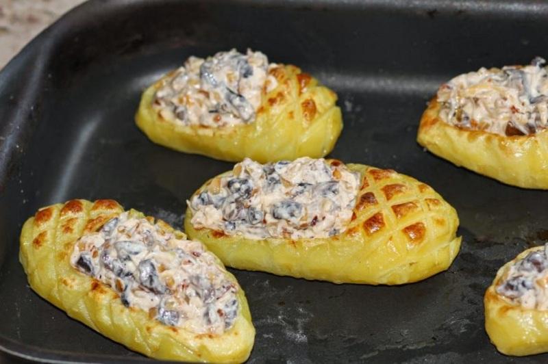 лапти из картофеля с грибами