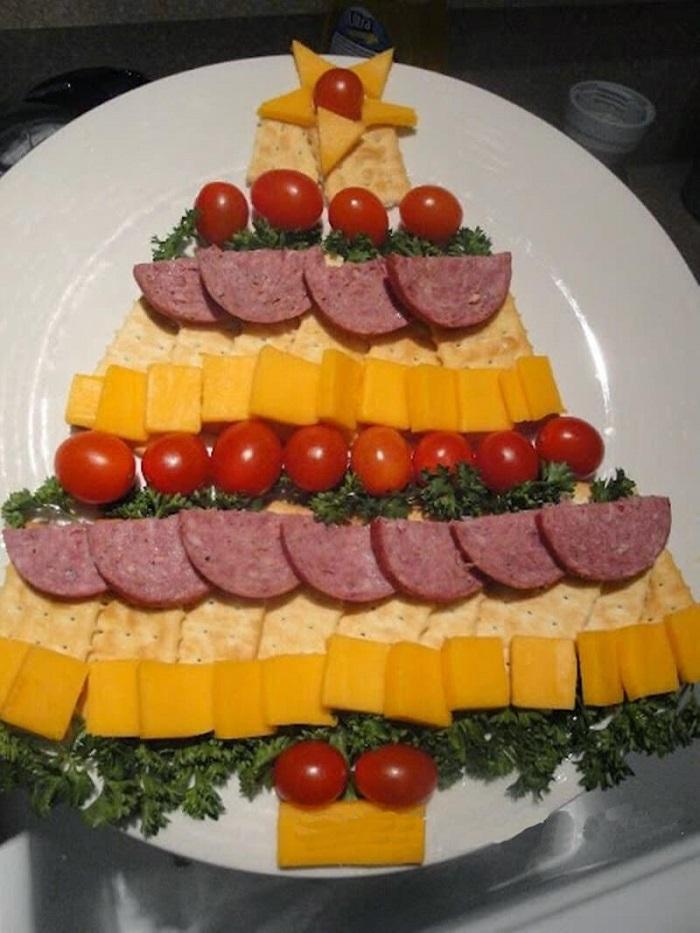 оформление нарезки мясной и сырной