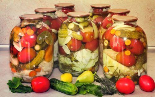 Рецепт вкуснейшей заготовки, которая проверена многими годами: «Ассорти из овощей»