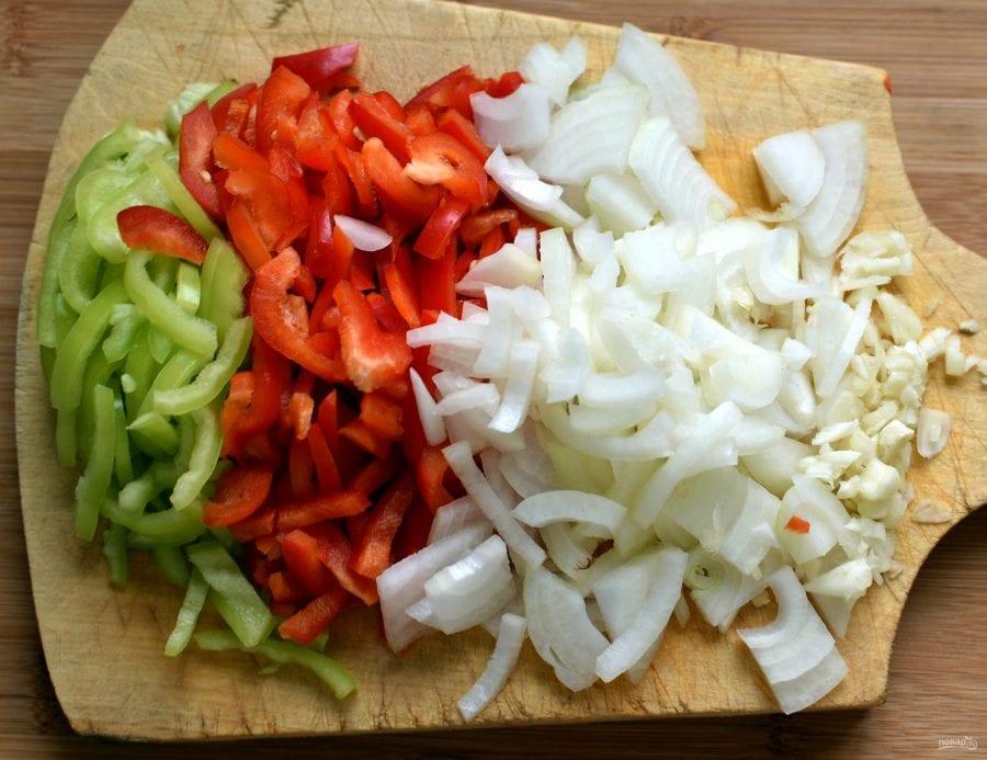 Сытный пирог с баклажанами и курицей: обед для всей семьи (Фото)