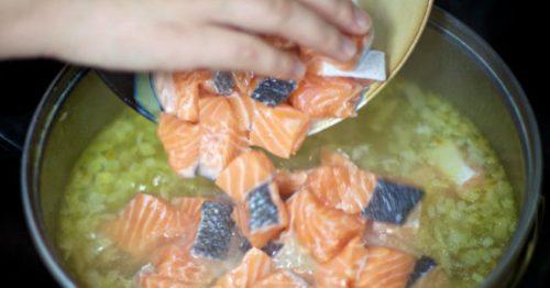 Рецепт любимого супа со сливками и красной рыбой