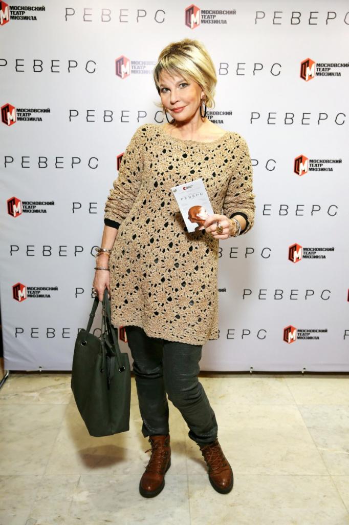 Татьяна Веденеева: стильные образы 67-летней ведущей и актрисы - 7