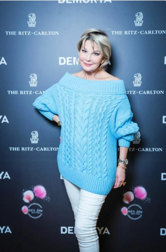 Татьяна Веденеева: стильные образы 67-летней ведущей и актрисы - 1
