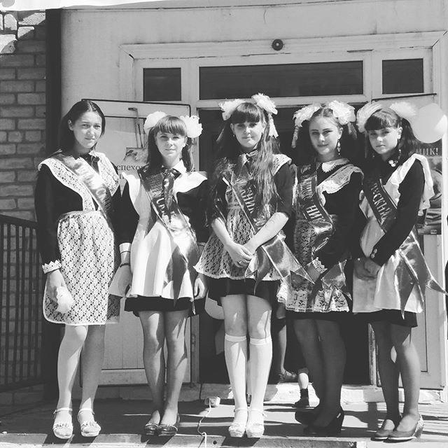 Только посмотрите какими красивыми были выпускницы 70-х - 80-х годов!